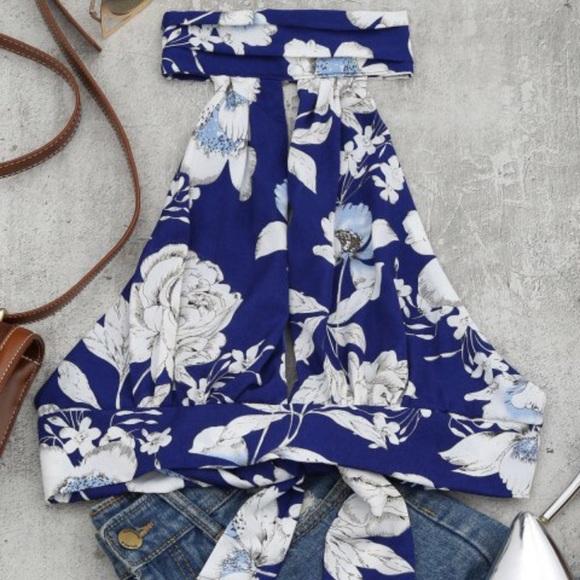 e8ba463150 Floral Print Cut Out Sleeveless Crop Top